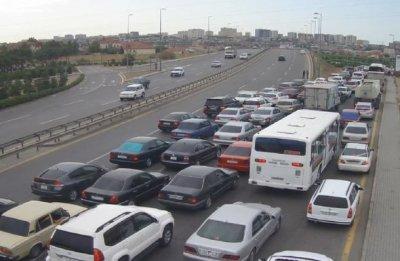Bakı yollarında tıxac var — Avtobuslar gecikir - SİYAHI + FOTO