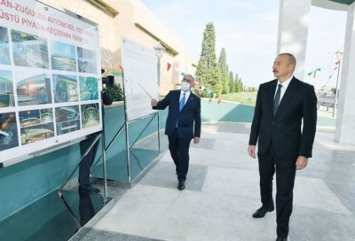 İlham Əliyev Bakıda yerüstü piyada keçidinin açılışında — YENİLƏNİB + FOTO