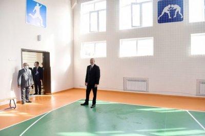 İlham Əliyev Milli Qəhrəmanın adını daşıyan məktəbin açılışında — YENİLƏNİB + FOTO