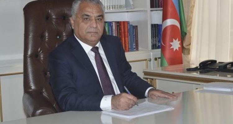 """""""İcra başçısı 200 nəfərin kartını mənimsəyib"""" - Vide"""