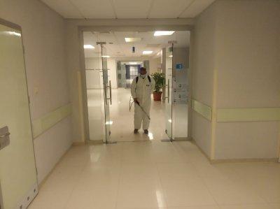 Ağsu Rayon Mərkəzi Xəstəxanasında COVİD19 virusuna yoluxulmaması üçün hər gün iş saatı bitdikdən sonra dezinfeksiya işləri həyata keçirilir - FOTOSUJET